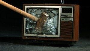 Televisión destrozada